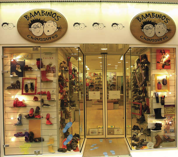 vitrine boutique bambinos chaussures