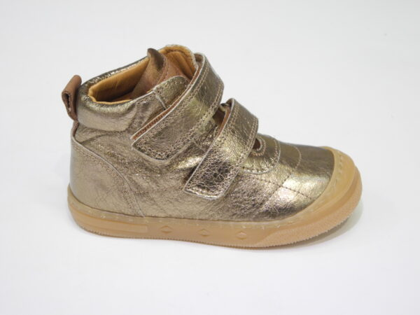 Chaussure montante à velcro